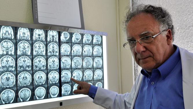 foto dr. izquierdo