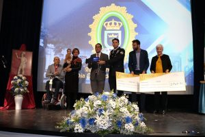ASEM recibe donativo de la Policía Local de Lora de Río